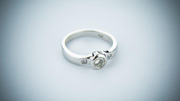 Как выбрать кольцо с родиевым покрытием?